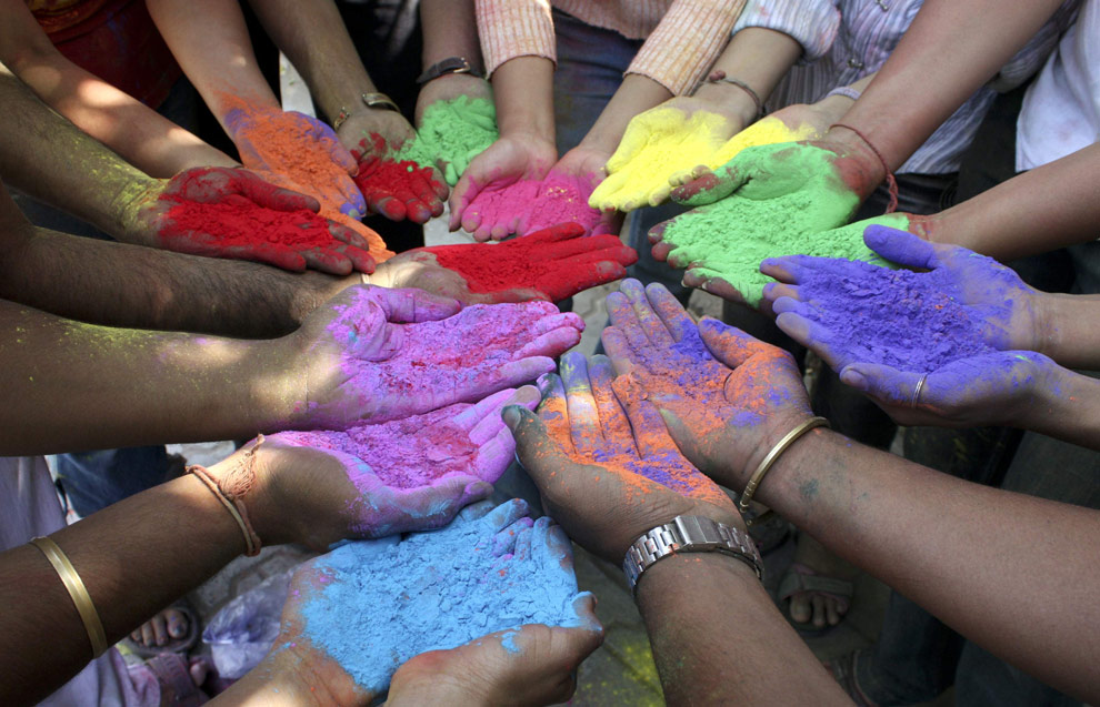 Why did we stop using natural earth pigments? - Art Matters!
